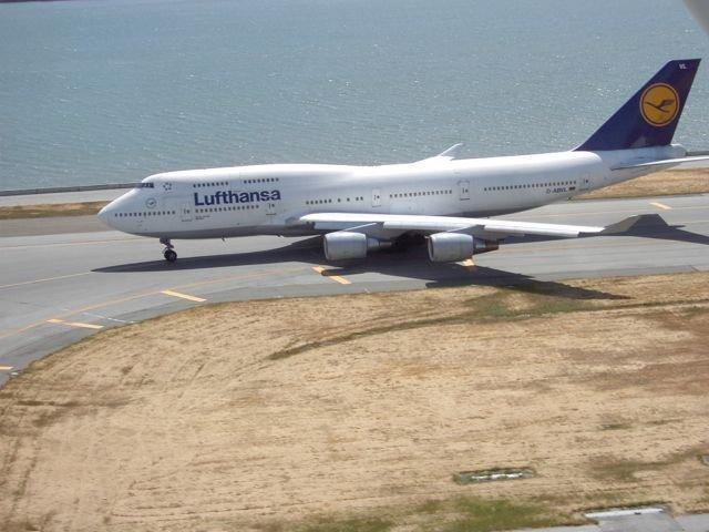 Lufthansa 747 holding short SFO 28L